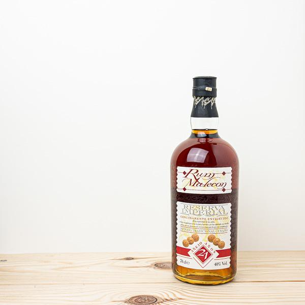 Rum Malecon 21